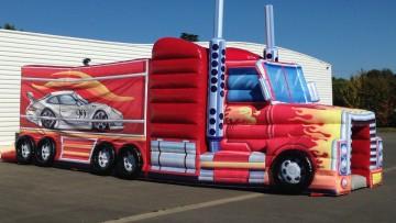 Parcours camion américian plan large extérieur