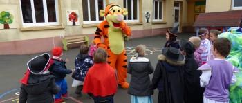 Mascotte Tigrou et enfants